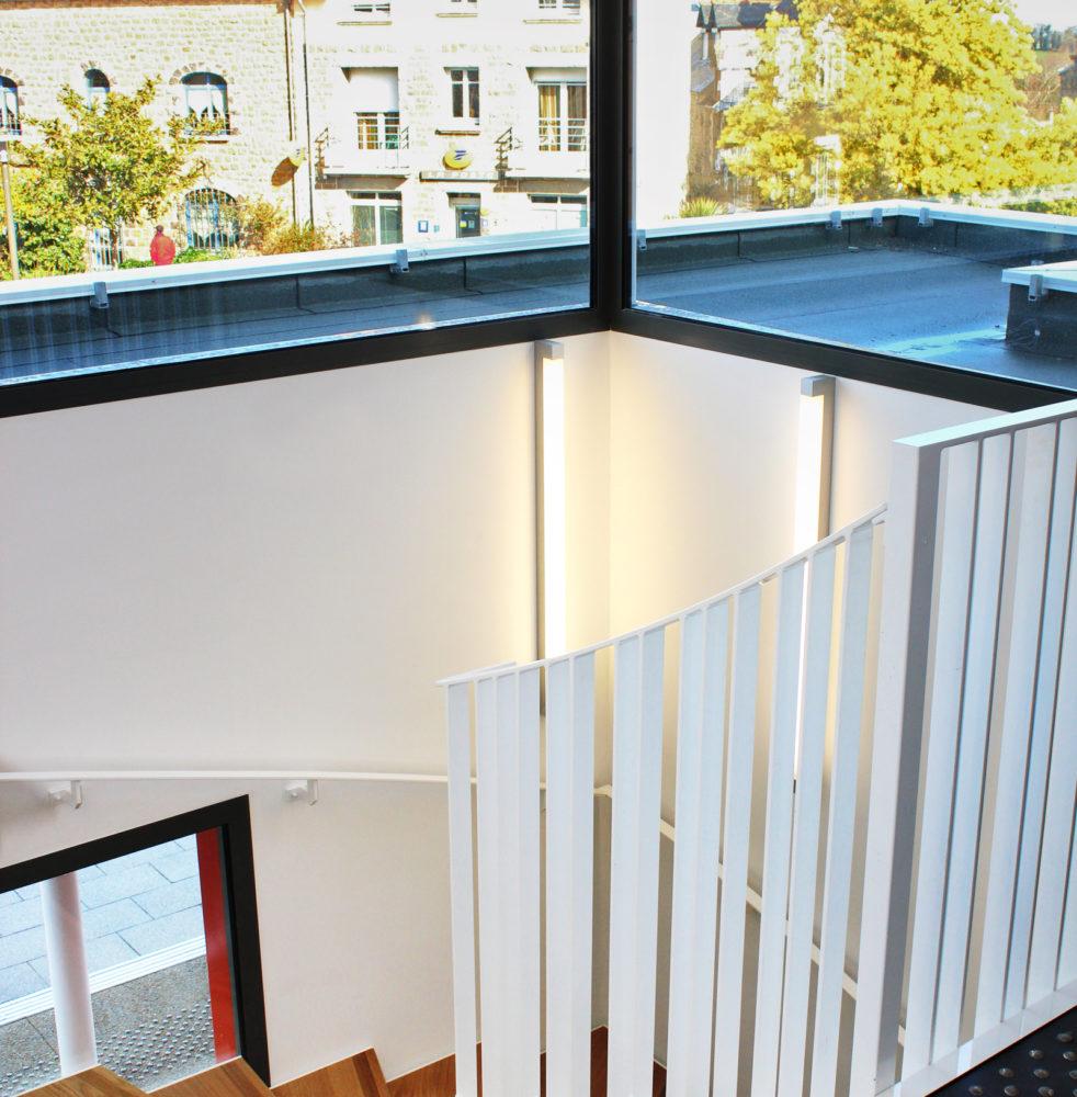 04-reamenagement-hillion-mairie-escalier-04-17