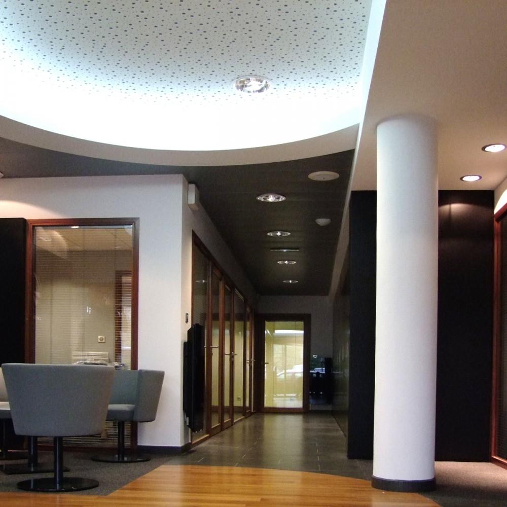 detail-plafond-sol-eclairage