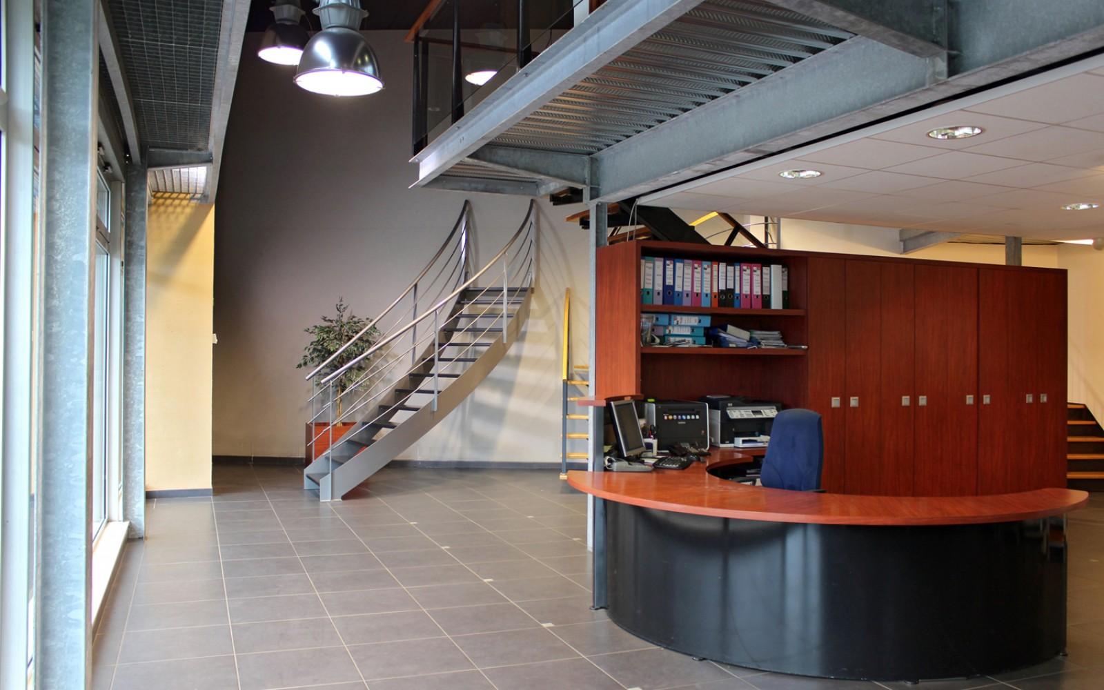 extension-creation-salle-exposition-langueux-interieur-06-01